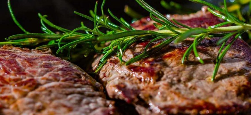 Любителям стейков врачи рекомендуют умерить свои аппетиты